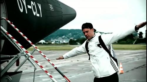 Manuel Neuer - Vor Slowakei Spiel - Anreise nach Lille 3