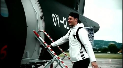 Manuel Neuer - Vor Slowakei Spiel - Anreise nach Lille 4
