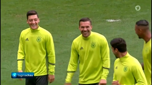 Mesut Özil & Lukas Podolski – Tageschau 15-06-16