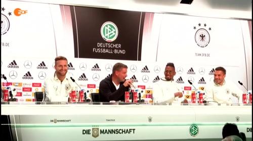 Mustafi, Boateng & Podolski – ZDF video 14-06-16 1