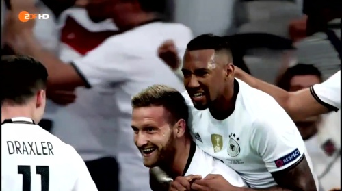Shkodran Mustafi & Jerome Boateng – ZDF video 14-06-16 1