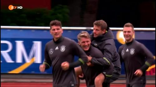 Thomas Müller & Bastian Schweinsteiger – ZDF video 14-06-16