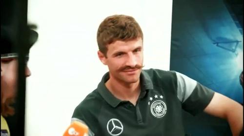 Thomas Müller - Mannschaft photo & Medientag 2