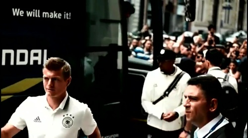 Toni Kroos - Anreise nach Lille 1