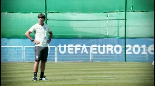 Joachim Löw - Abschlusstraining vor Italien-Spiel in Évian