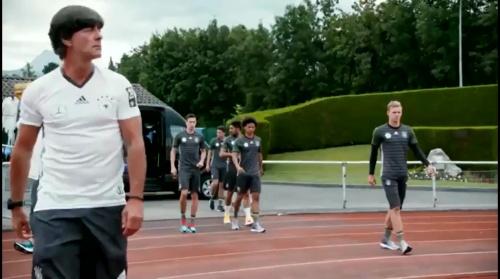 Joachim Löw – Das vorletzte Training in Evian 1
