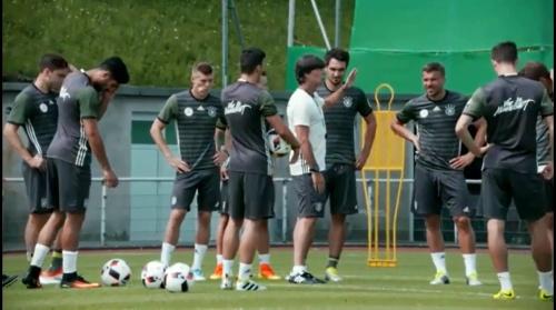 Joachim Löw – Das vorletzte Training in Evian 4