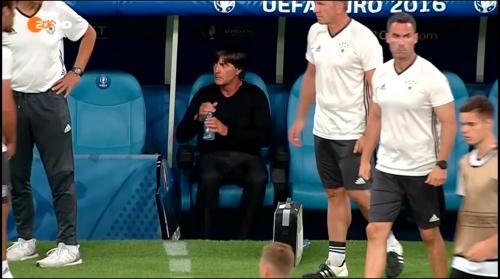 Joachim Löw – Deutschland v Frankreich 1st half (EM 2016) 15
