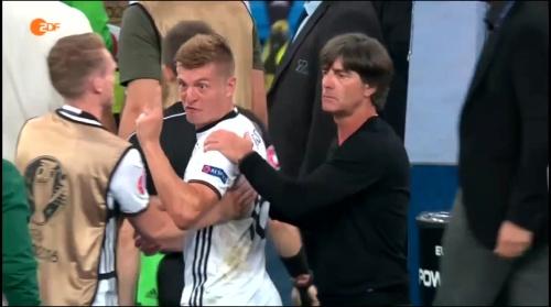Joachim Löw – Deutschland v Frankreich 1st half (EM 2016) 16