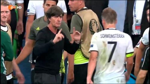 Joachim Löw – Deutschland v Frankreich 1st half (EM 2016) 19