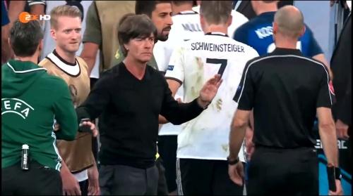 Joachim Löw – Deutschland v Frankreich 1st half (EM 2016) 20