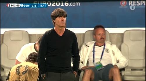 Joachim Löw – Deutschland v Italien extra time (EM 2016) 10
