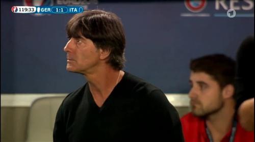 Joachim Löw – Deutschland v Italien extra time (EM 2016) 11