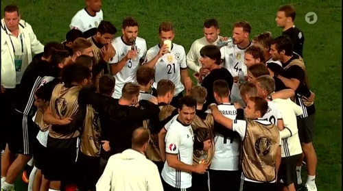 Joachim Löw – Deutschland v Italien extra time (EM 2016) 5