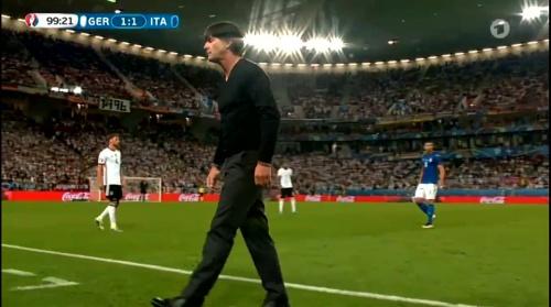 Joachim Löw – Deutschland v Italien extra time (EM 2016) 8