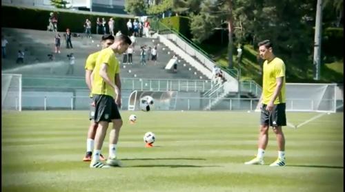 Julian Draxler & Mesut Özil - Abschlusstraining vor Italien-Spiel in Évian