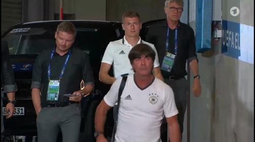 Toni Kroos & Joachim Löw – PK 06-07-16 1