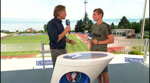 Toni Kroos - Sportschau 30-06-16 2