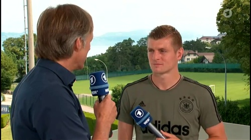 Toni Kroos - Sportschau 30-06-16 3