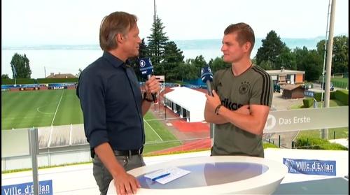 Toni Kroos - Sportschau 30-06-16 4