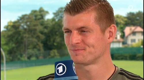 Toni Kroos - Sportschau 30-06-16 5