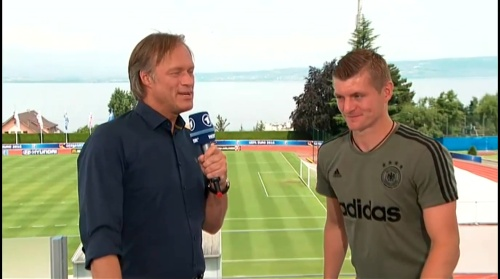 Toni Kroos - Sportschau 30-06-16 6