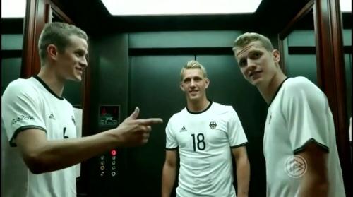 Sven Bender, Nils Petersen & Lars Bender - Hrubeschs Olympia Team nach Rio gereist 1