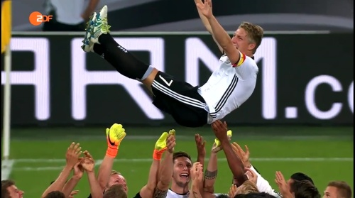 Bastian Schweinsteiger - ZDF heute sport 01-09-16 1