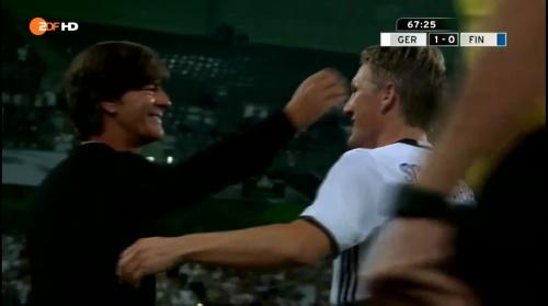 Joachim Löw & Bastian Schweinsteiger – Deutschland v Finnland second half 1