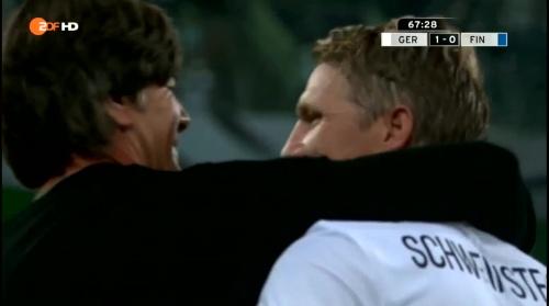 Joachim Löw & Bastian Schweinsteiger – Deutschland v Finnland second half 2