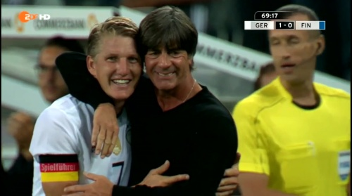 Joachim Löw & Bastian Schweinsteiger – Deutschland v Finnland second half 4