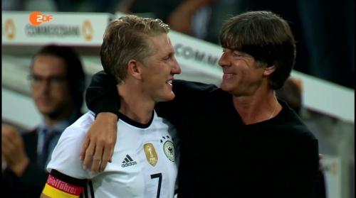 Joachim Löw & Bastian Schweinsteiger - ZDF heute sport 01-09-16 1