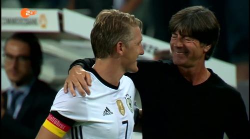 Joachim Löw & Bastian Schweinsteiger - ZDF heute sport 01-09-16 2