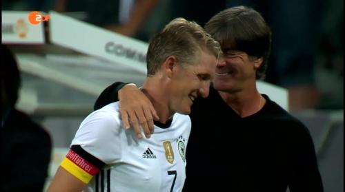 Joachim Löw & Bastian Schweinsteiger - ZDF heute sport 01-09-16 3