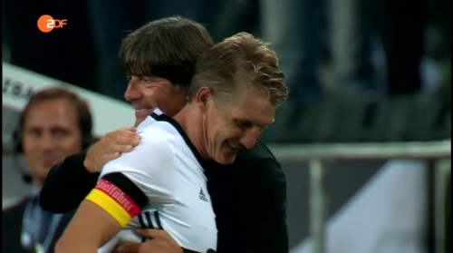 Joachim Löw & Bastian Schweinsteiger - ZDF heute sport 01-09-16 5