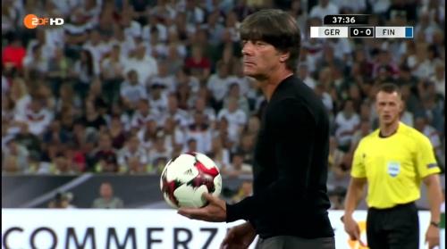 Joachim Löw – Deutschland v Finnland first half 8