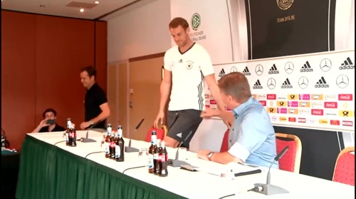 Manuel Neuer PK 02-09-16 3