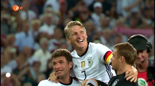Müller, Schweinsteiger & Neuer – ZDF heute sport 01-09-16 2