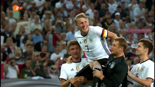 Müller, Schweinsteiger & Neuer – ZDF heute sport 01-09-16 3