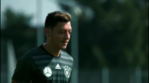 Mesut Özil - Regenerationstraining nach dem Finnland-Spiel 1