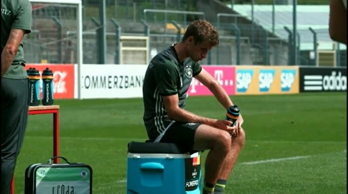 Thomas Müller - Regenerationstraining nach dem Finnland-Spiel 2