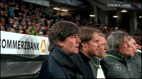 joachim-low-deutschland-v-nordirland2016-1st-half-5