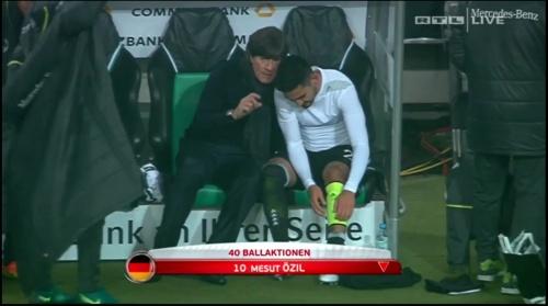 joachim-low-deutschland-v-nordirland2016-2nd-half-4