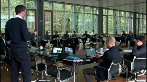 joachim-low-dfb-trainertagung-in-frankfurt-2016-5