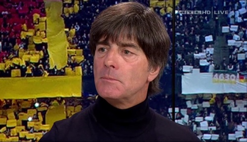 joachim-low-deutschland-v-tschechien-2016-post-match-show-10