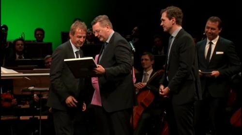 jurgen-klinsmann-bundestag-03-11-16-1
