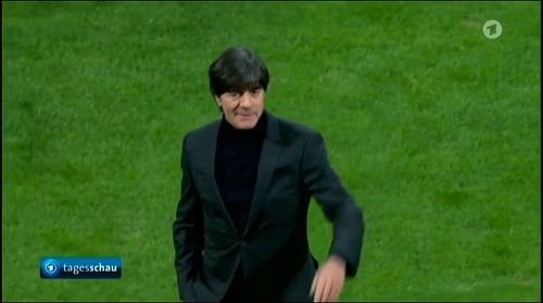 joachim-low-italien-v-deutschland-first-half2016-5