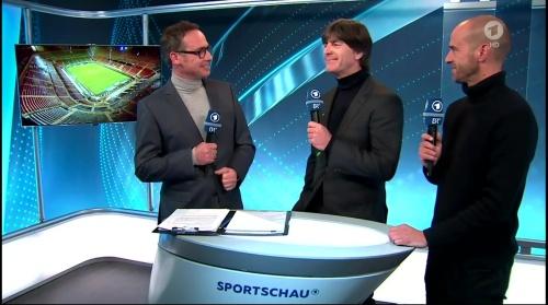 joachim-low-italien-v-deutschland-post-match-show2016-2