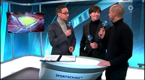 joachim-low-italien-v-deutschland-post-match-show2016-9
