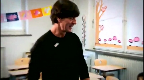 joachim-low-wir-helfen-kinder-rtl-video-24-11-16-1